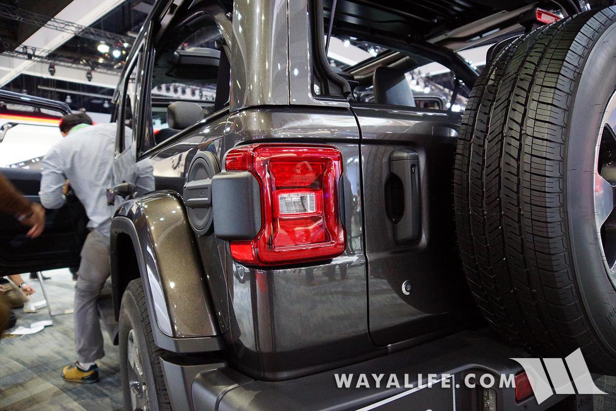 JL Wrangler tail light safety sensor