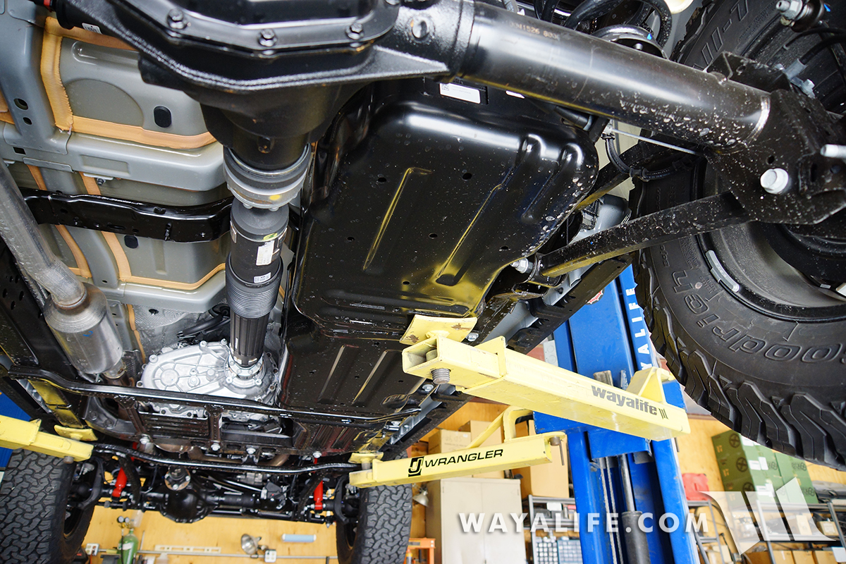 Under The Jl Wrangler Rubicon A Look At Suspension Steering Rear Diagram Further Jeep Front End Parts View From Middle Of Looking Back Toward Dana M220 Axle