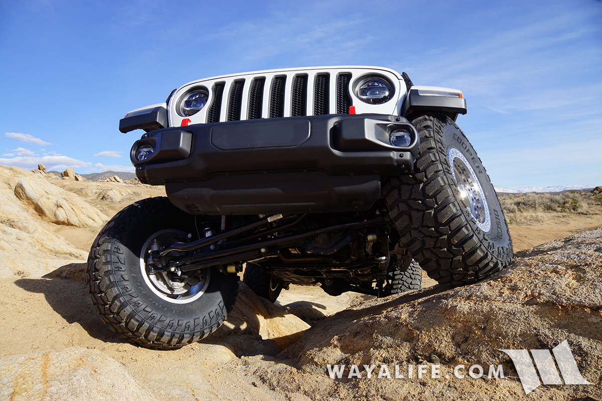 Jeep JL Wrangler Rubicon Unlimited Flexing on the Rocks